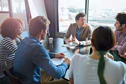 Start-up-team-having-a-job-interview-with-a-candidate-000076525191