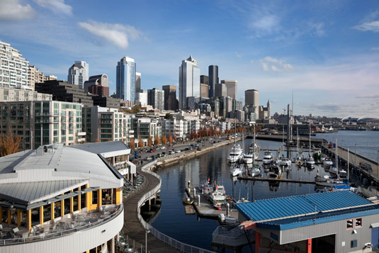 Picture of Seattle Skyline and the Seattle bay